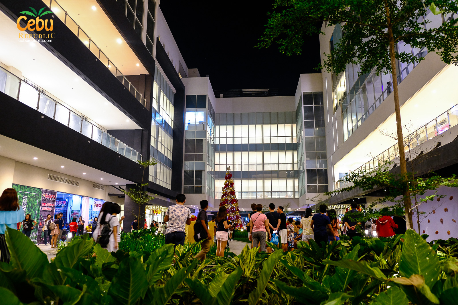 Ayala Mall Central Bloc is finally open