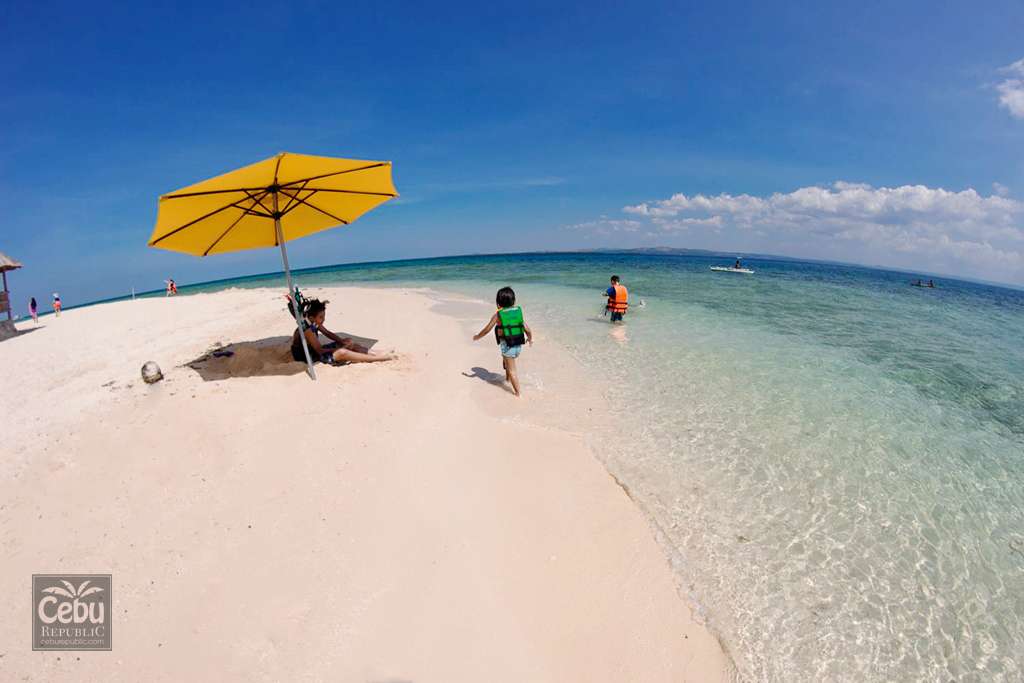 Hopping and Adventures at Cebu's Unique Islands Paradise