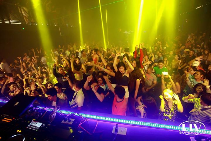 Nightlife Sizzles in Cebu